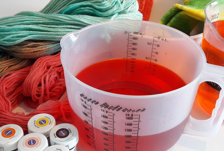 Workshop: Wol verven met voedingskleurstoffen